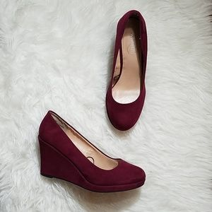 White mt. Velvet Wedges sz 8.5